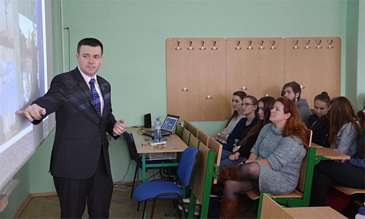 Assistant Public Affairs Officer Griffin Rozell Speaks at Ruzomberok Business Academy, Face2Face on Disinformation at Ruzomberok Catholic University (Embassy photo)